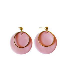 Handmade earrings made of clay in the shape of a circle, in pink color combined with a steel ring in gold color and a silicone claspX7